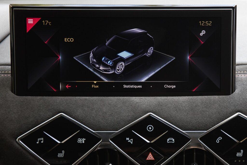 DS 3 Crossback E-Tense: lo stile di guida ed i consumi