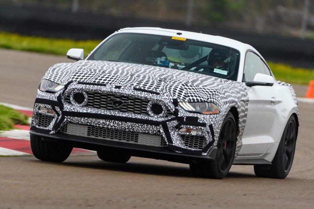 Ford Mustang Mach 1: la versione più sportiva è attesa per il 2021 [VIDEO]
