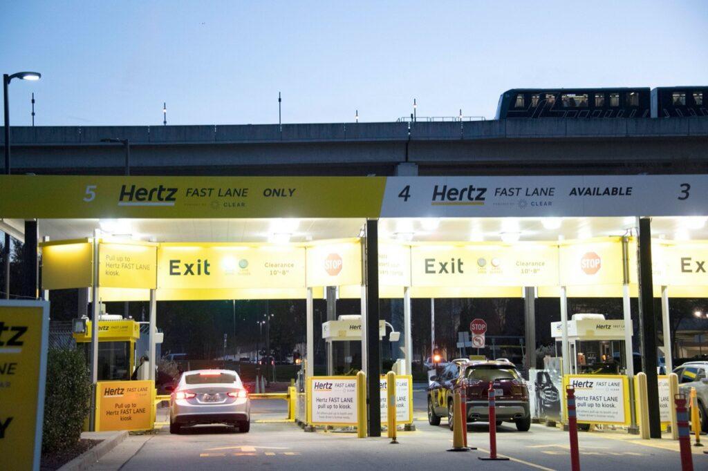 Hertz: pagati oltre 16 milioni di dollari in dividendi prima di dichiarare la bancarotta