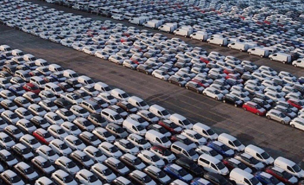 Federauto: previsti 800 mila veicoli invenduti e oltre 400 mila posti a rischio
