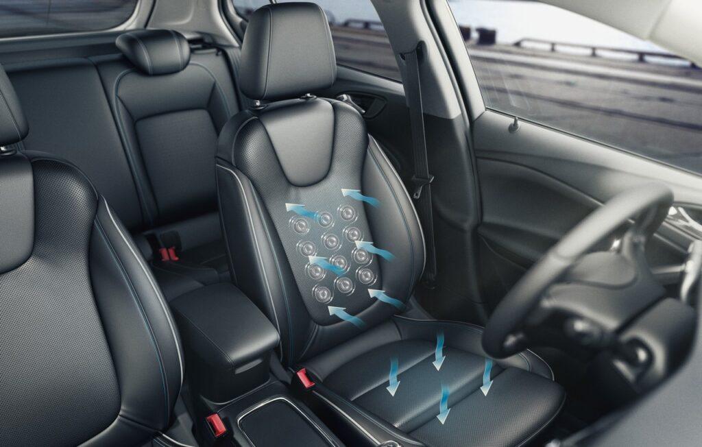 Opel Astra: i sedili AGR per il benessere della schiena [VIDEO]