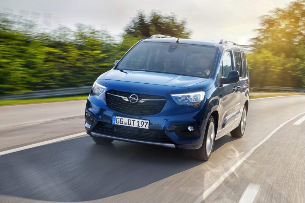 Opel: come funziona il riconoscimento vocale [VIDEO]