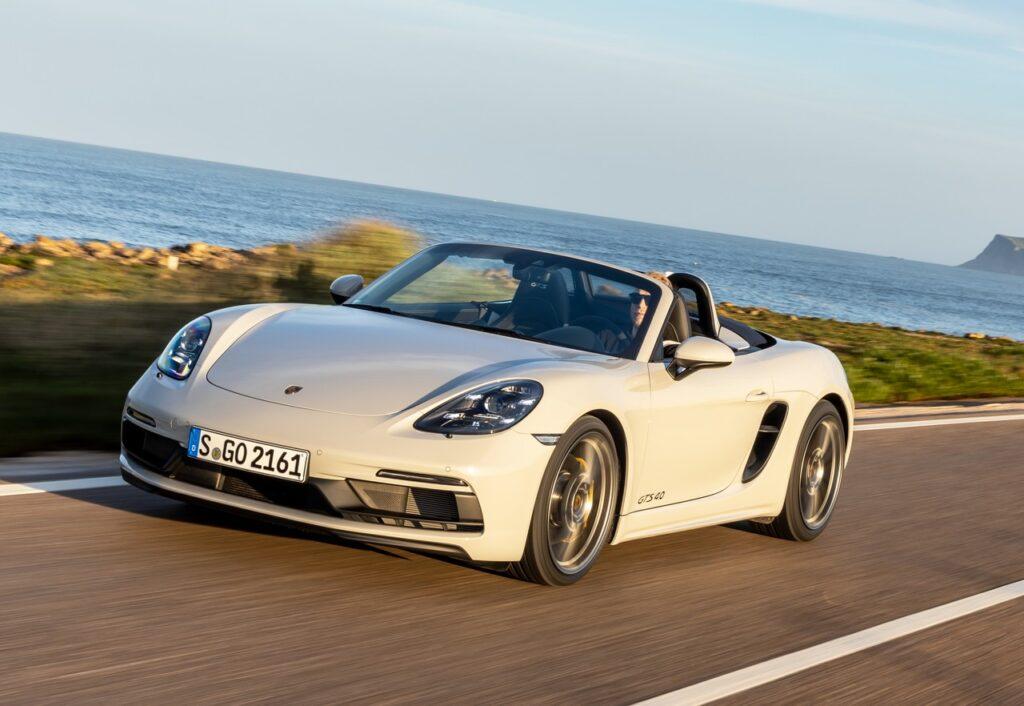 Coronavirus: Porsche, estese di tre mesi le garanzie in scadenza