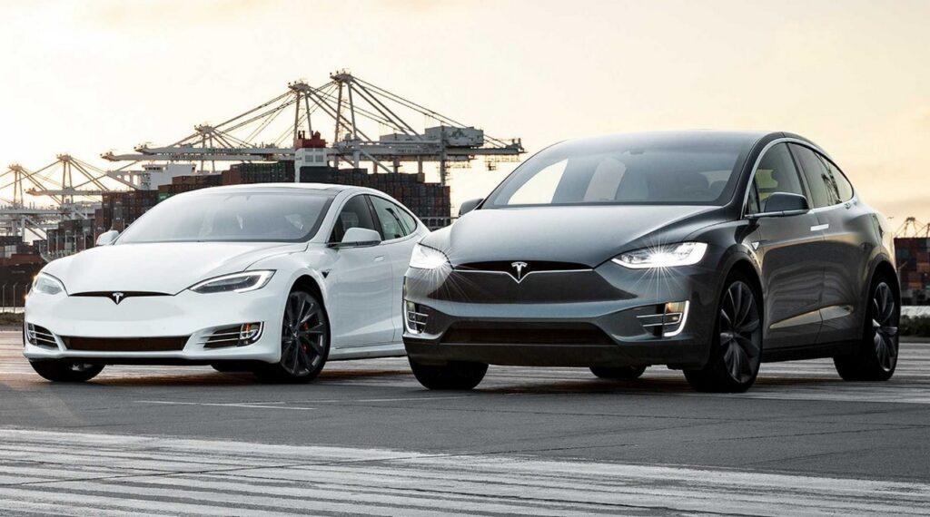 Tesla abbassa il listino di 5.000 euro per Model S e Model X ma ora la ricarica si paga