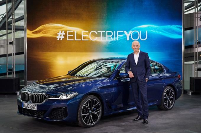 """BMW, Pieter Nota scommette sull'elettrificazione: """"In Europa abitudini di mobilità ideali per i veicoli ibridi plug-in"""""""