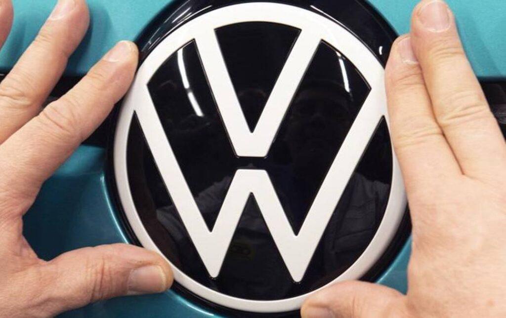 Volkswagen, passo verso la normalità: tutte le 16 fabbriche sono tornate a produrre