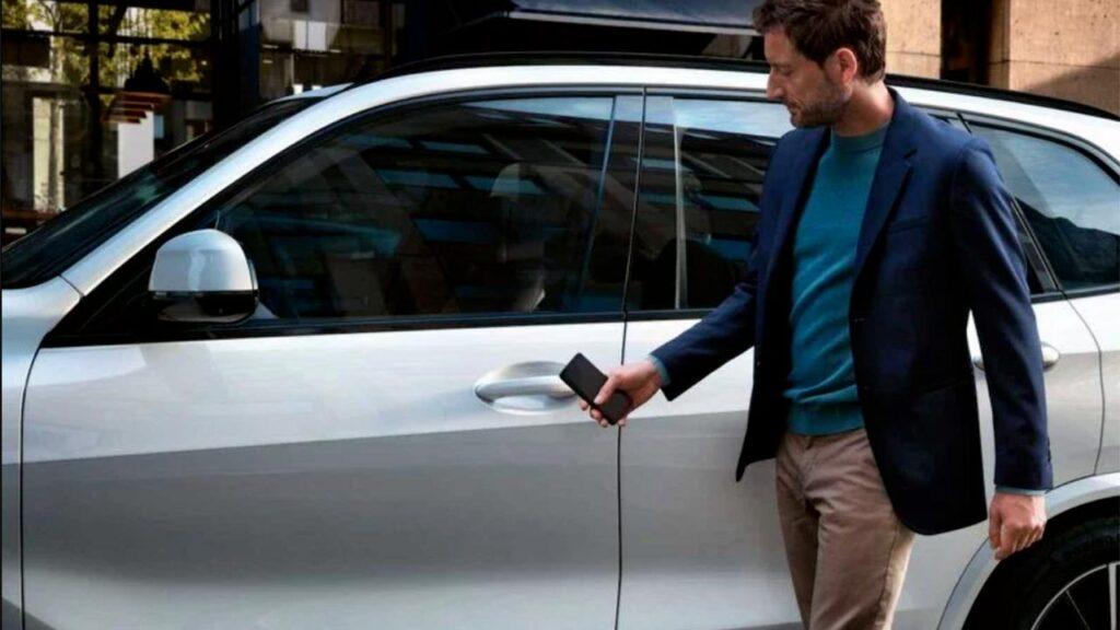 Apple CarKey: così il nostro iPhone diventerà la chiave dell'auto