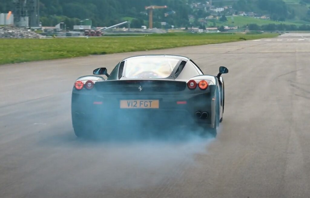 Drag Race: Dallara Stradale vs Porsche GT2 RS vs Ferrari Enzo, chi vincerà? [VIDEO]