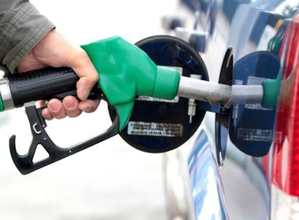 Benzina: dopo il lockdown il prezzo risale a più di 1,4 euro al litro