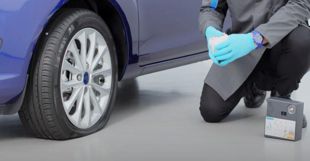 Kit riparazione pneumatici: come funziona e come utilizzarlo [VIDEO]