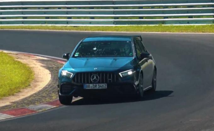 Mercedes-AMG A45 S 4Matic+: giri veloci sulla pista del Nurburgring [VIDEO SPIA]