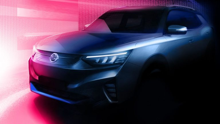 SsangYong Korando 2021: è in arrivo la versione elettrica [TEASER]