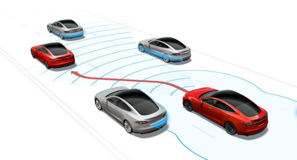 """Tesla, Elon Musk: """"Siamo molto vicini alla guida autonoma di livello 5"""""""