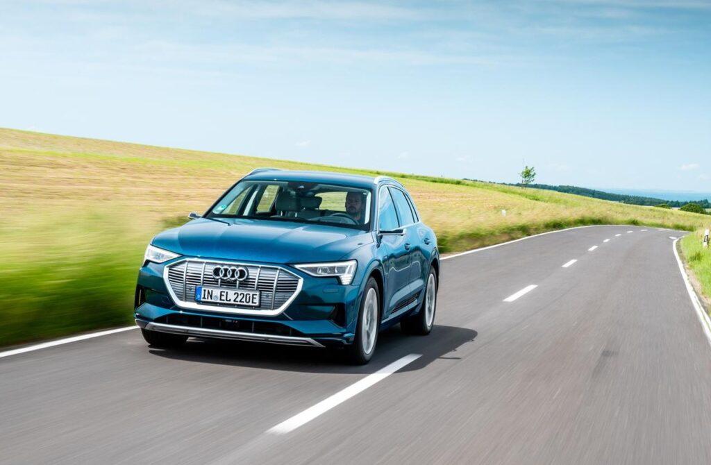 Audi e-tron 2021: si aggiorna l'infotainment ed è più connessa
