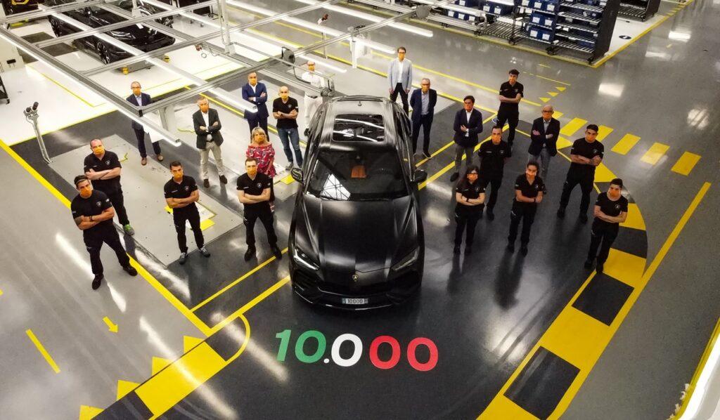 Lamborghini Urus: prodotto l'esemplare numero 10.000