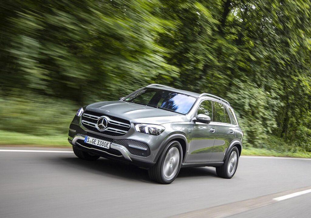 Mercedes GLE 350 de: la prova su strada del SUV Diesel-ibrido