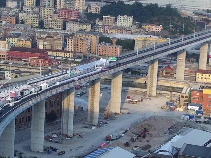 Ponte Genova San Giorgio aperto al traffico: le prime auto sul nuovo viadotto [VIDEO]