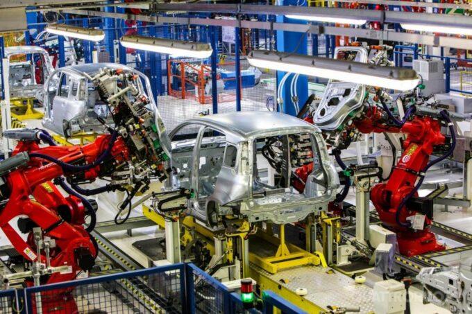 Produzione industriale automotive in Italia, a maggio la flessione è ancora pesante: -48,6%