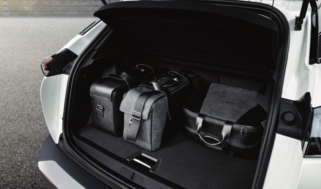 Peugeot gamma elettrica: bagagliai capienti anche con le batterie [ANALISI]