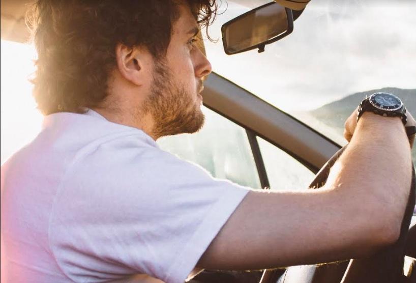 Colpi di sonno in auto: come evitarli e come comportarsi