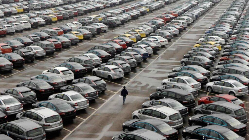 Immatricolazioni auto: frena caduta a luglio, -42% da gennaio