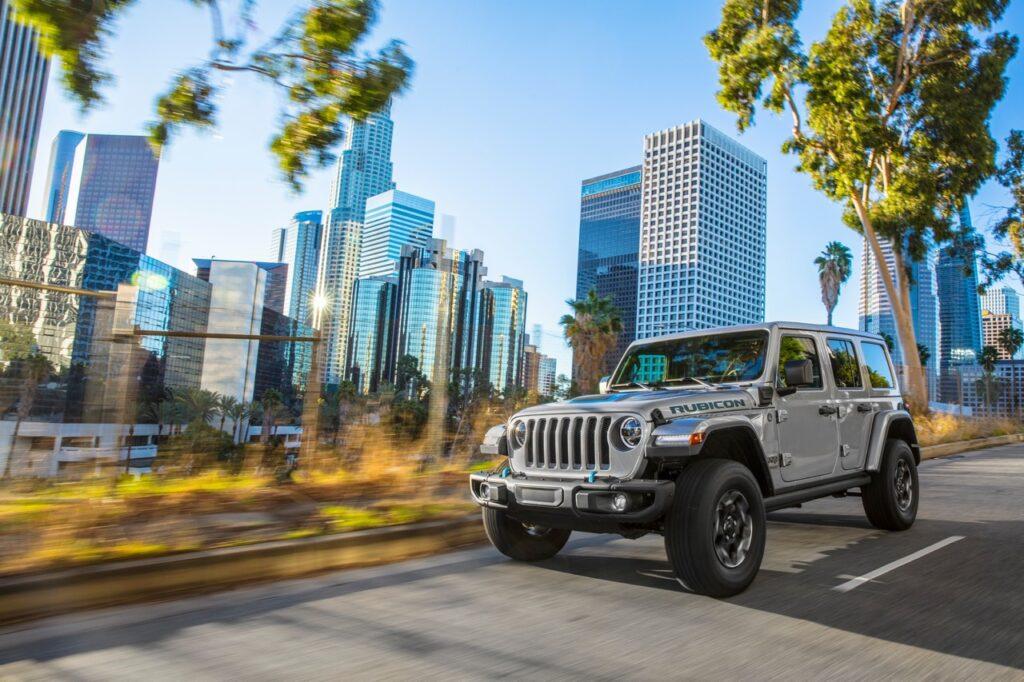 Jeep Wrangler 4xe 2020: la regina 4×4 diventa plug-in hybrid [VIDEO]