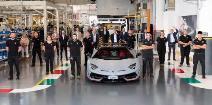 Lamborghini Aventador: tagliato il traguardo delle 10.000 unità prodotte