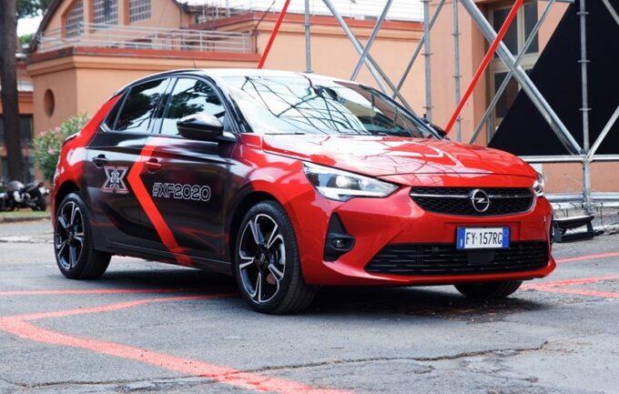 Opel Corsa-e, l'elettrica del Fulmine è l'auto ufficiale di X Factor 2020