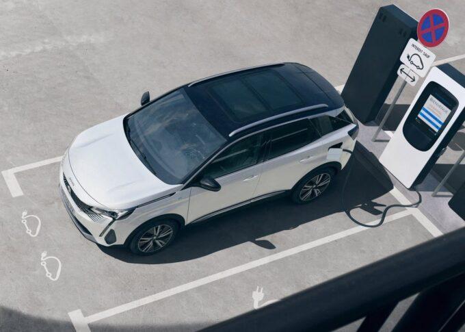 Peugeot 3008 2020: la nuova variante ibrida plug-in da 225 CV