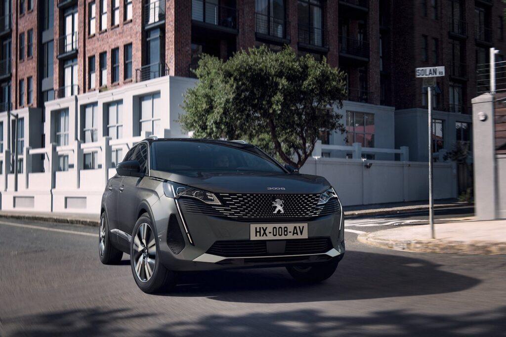 Peugeot 3008 2020 vs 2016: le conferme del SUV del Leone