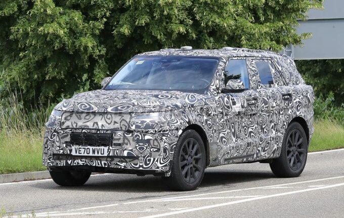 Range Rover Sport 2022 - Foto spia 20-07-2021