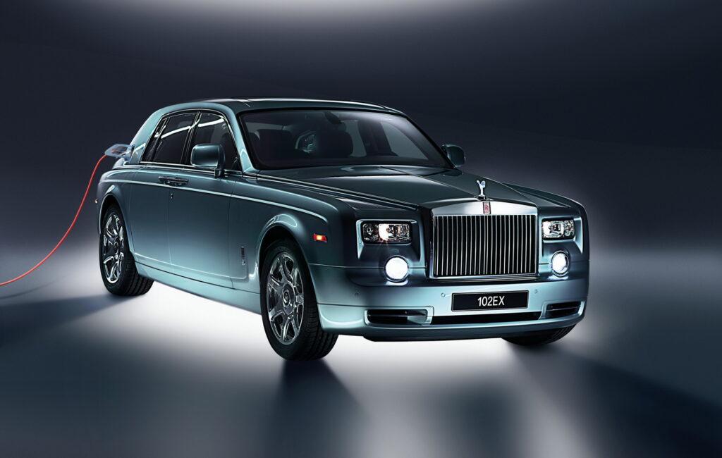 Rolls-Royce: l'elettrico è inevitabile, primo modello EV entro il 2030