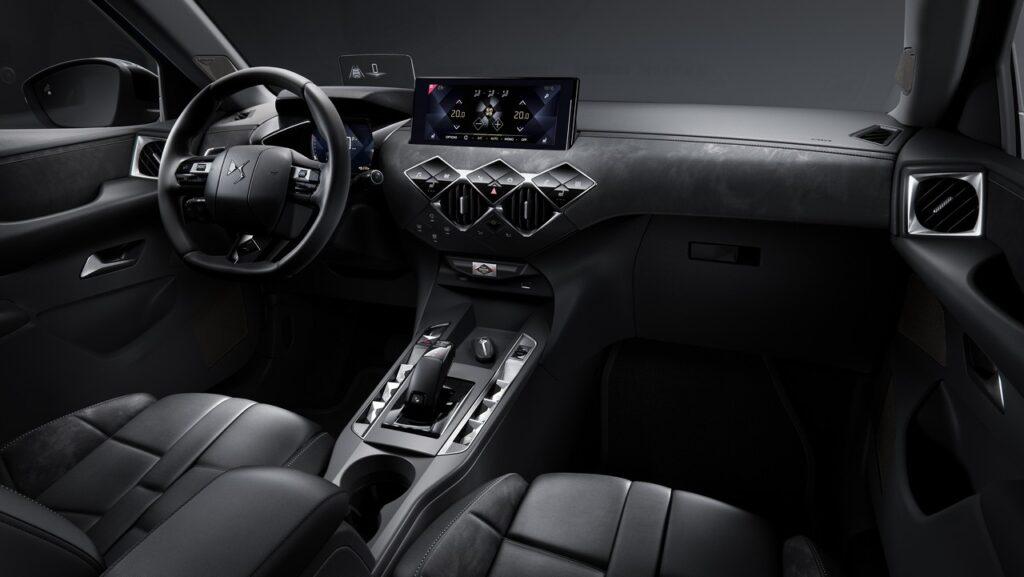 DS 3 Crossback: il focus sull'abitacolo del SUV compatto