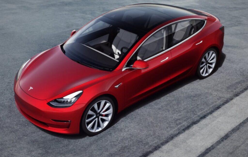 Tesla Model 3: il kit tuning di Ingenext sblocca costose future come l'Acceleration Boost e il Drift Mode