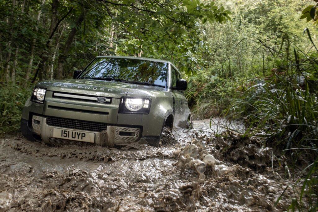 Jaguar Land Rover: utilizzo di tecnologie aerospaziali per lo sviluppo di veicoli leggeri