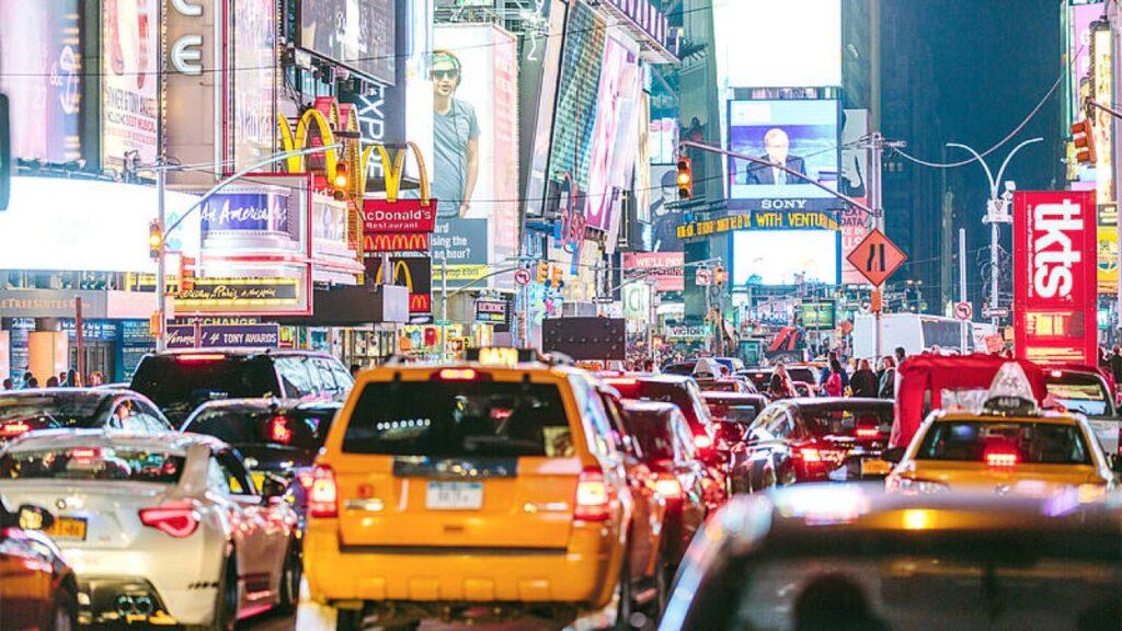 New York: probabile stop alle auto con motore termico dal 2035