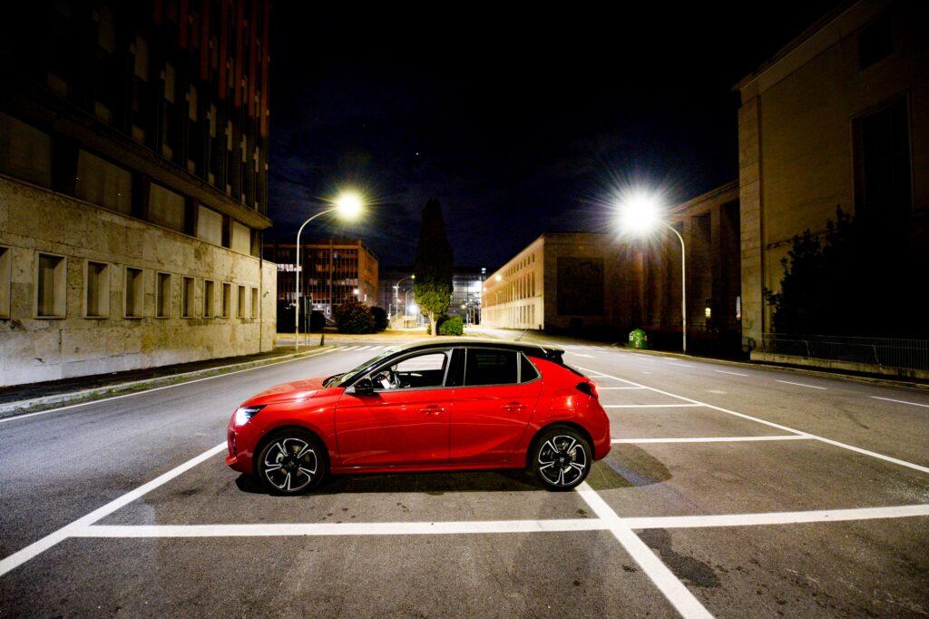 Opel Corsa 2020: show road nella Città Eterna [VIDEO]