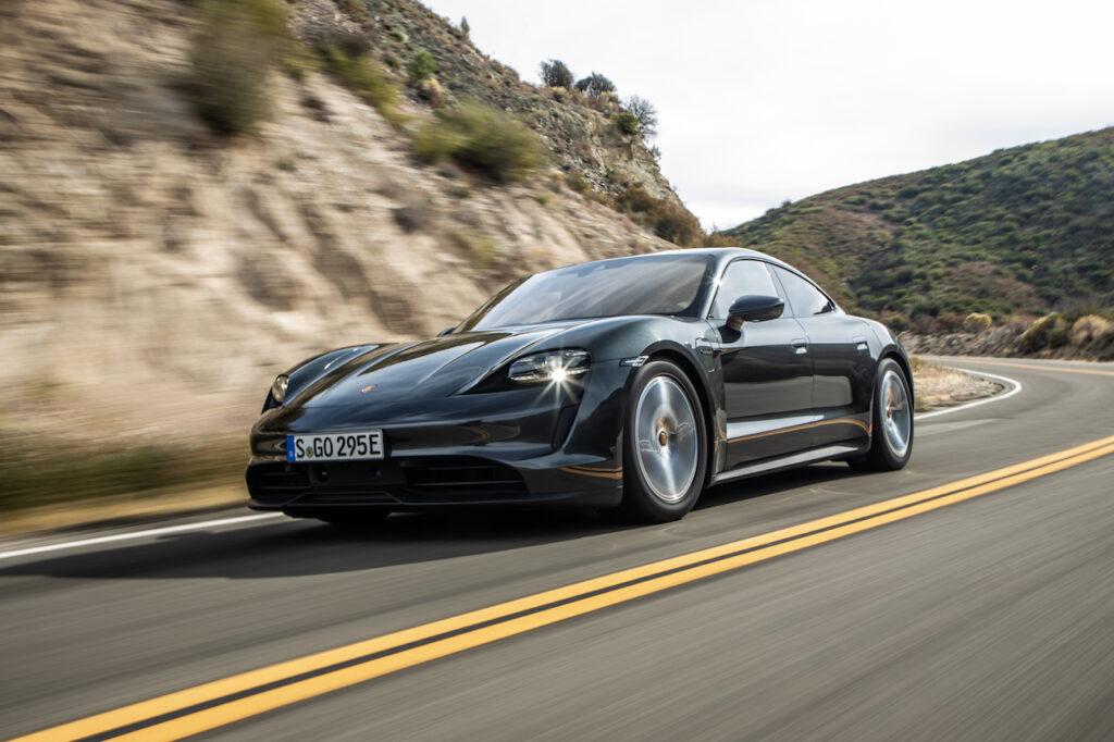 Porsche Taycan: si amplia l'integrazione con i sistemi Apple