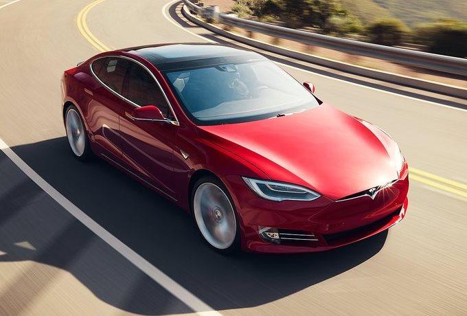 Tesla Model S: considerevole taglio di prezzo negli USA