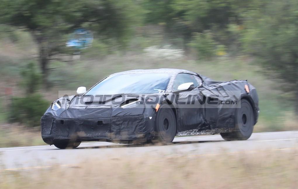Corvette C8 Z06 2021: sotto al cofano un plug-in o un V8 DOHC 5.5L. Cosa vorreste voi? [FOTO SPIA]