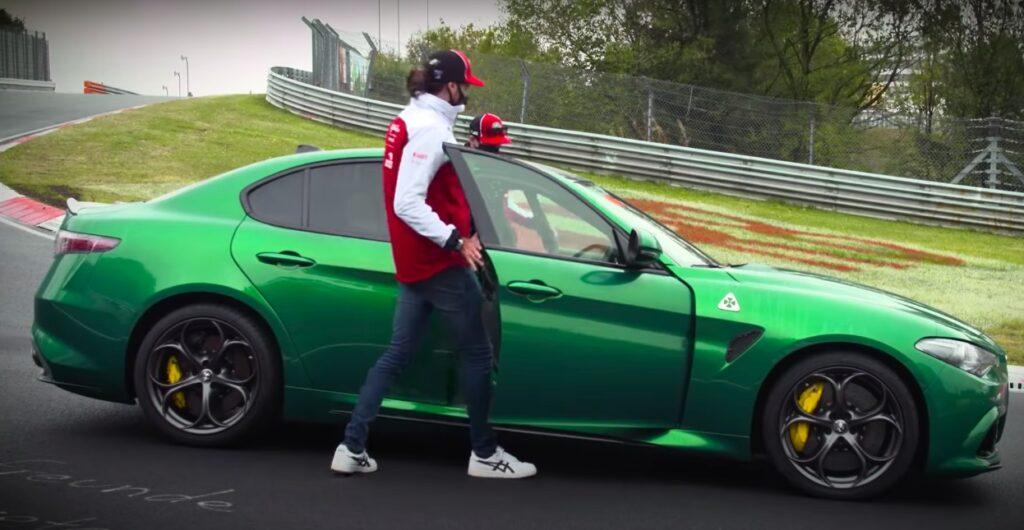 Alfa Romeo Giulia Quadrifoglio: Raikkonen 'spaventa' Giovinazzi al Nurburgring [VIDEO]