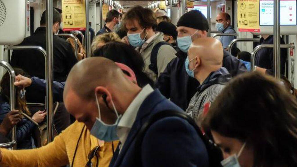 Campania, lockdown parziale anche per attenuare la ressa su mezzi di trasporto pubblico