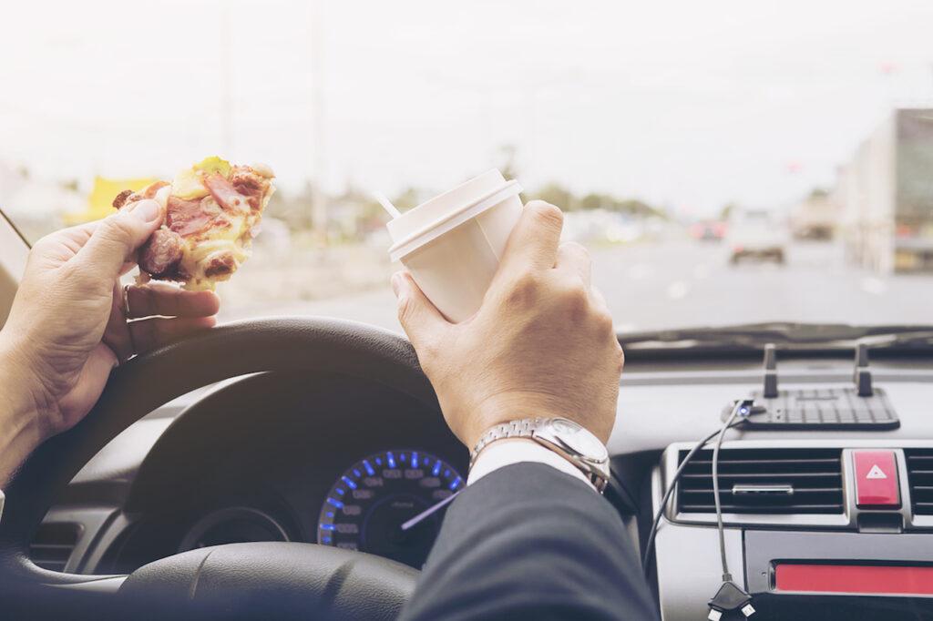 Maltempo e gelo: ecco cosa mangiare durante i viaggi in auto