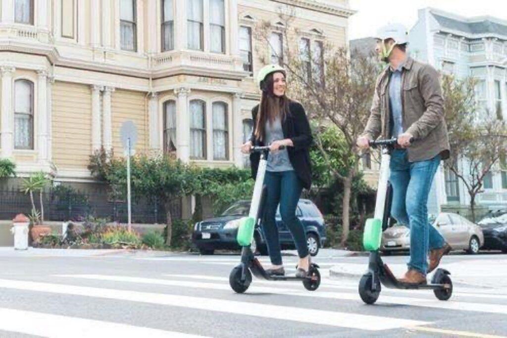 Bici e monopattini: le regole per la circolazione in città
