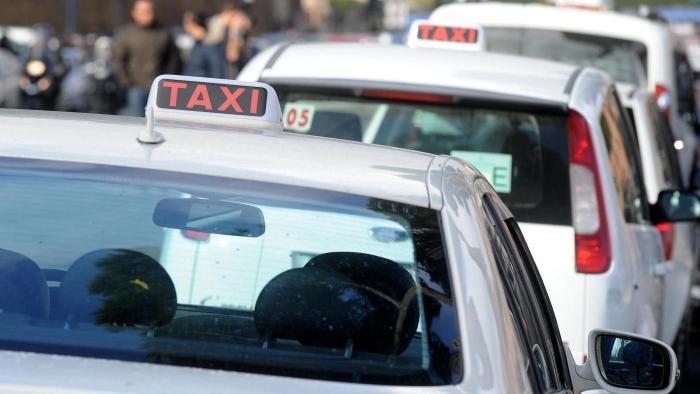 Taxi e Ncc: gli indennizzi del Decreto Ristori per il 'mini lockdown'