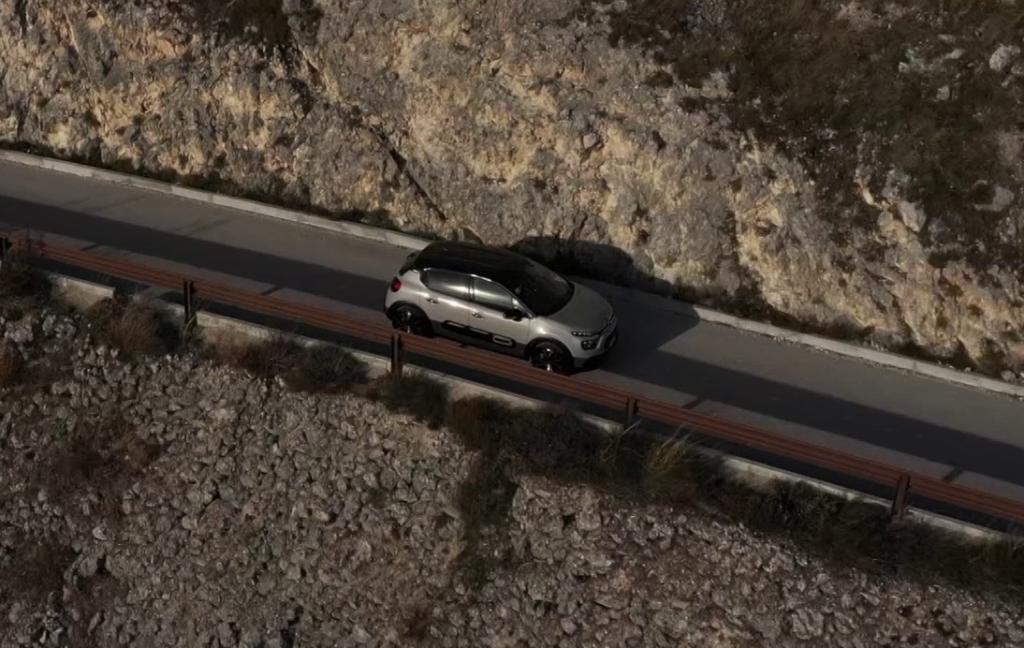 Citroen C3 in viaggio alla scoperta di Rocca Calascio [VIDEO]