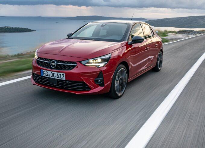 Nuova Opel Corsa: l'offerta per neopatentati continua anche a novembre