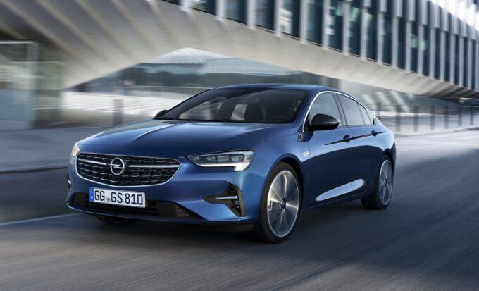 Opel Insignia e Adam promosse a pieni voti dal Rapporto TÜV 2021