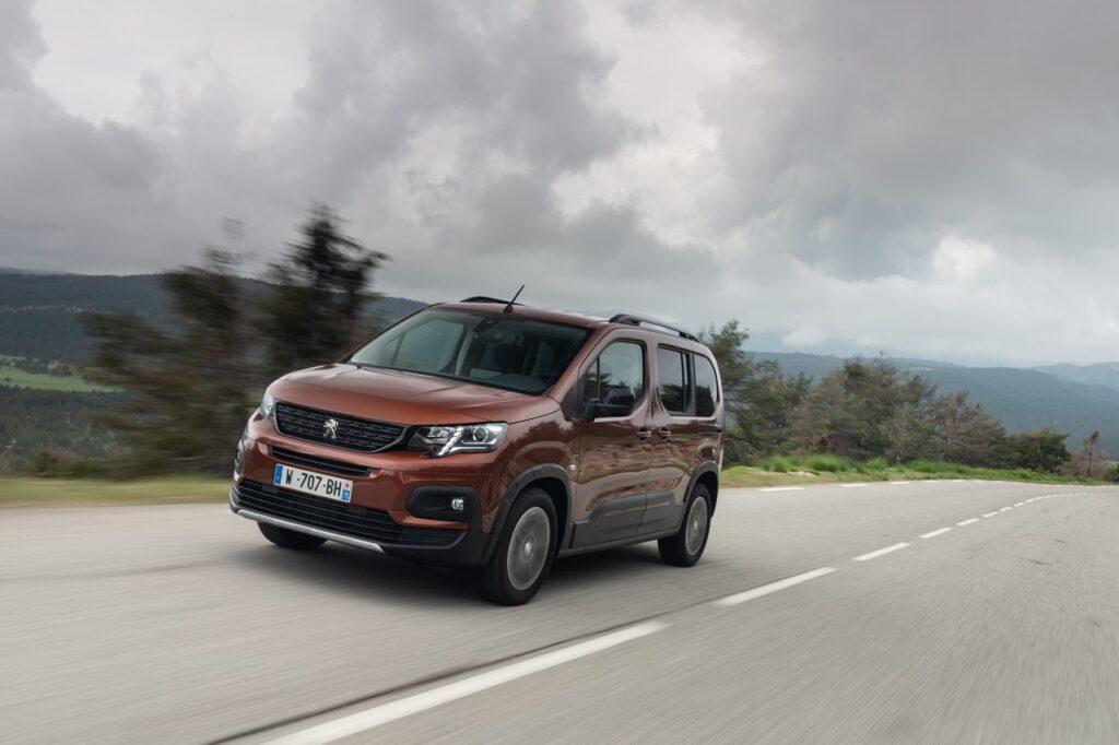 Peugeot Rifter 2020 gallery