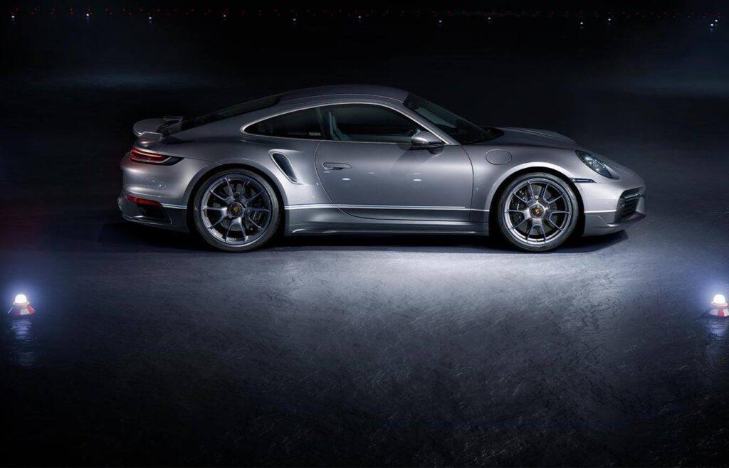 Porsche 911 Turbo S Duet - Embraer